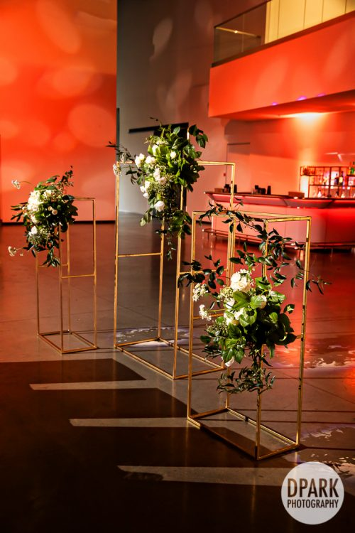 red-modern-cosmopolitan-luxury-wedding-reception