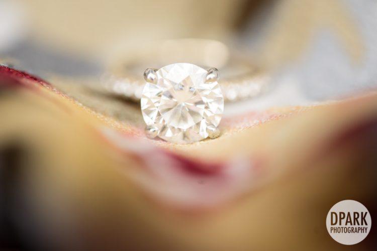 luxury-engagement-wedding-diamond-ring-photo