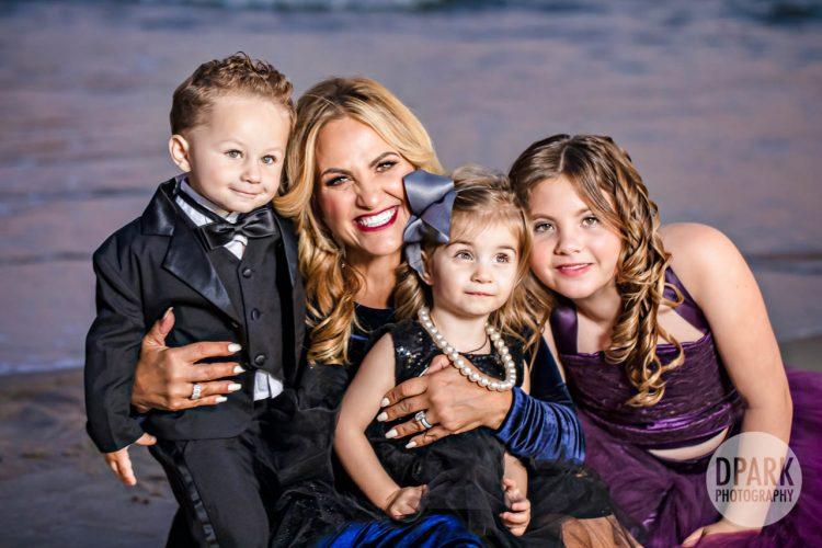 montage-beach-luxury-christmas-2019-family-photos